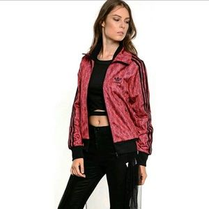 JUST IN🔥ADIDAS RED/BLACK SNAKESKIN OUTFIT🐍
